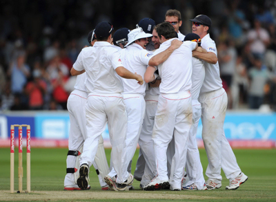 England celebrate winning the 1st Test vs India at Lords